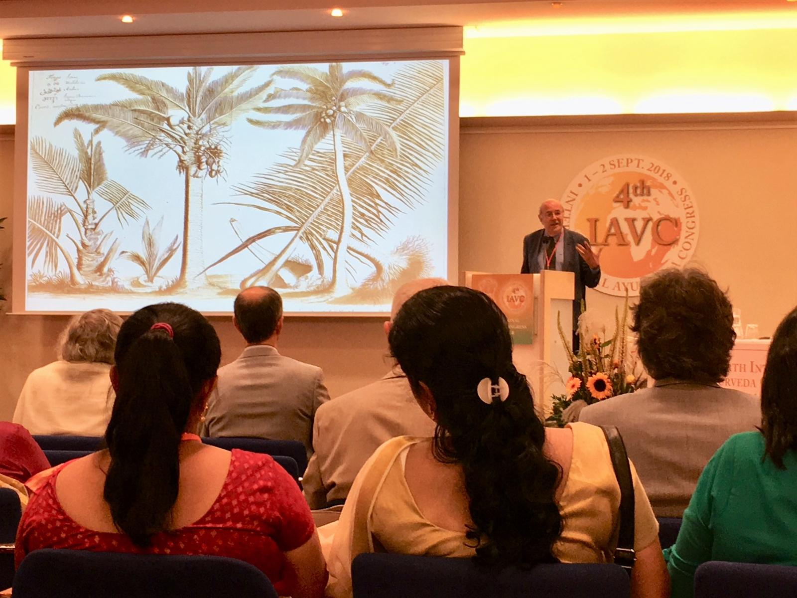 Ayur-Veda-Congres-Leiden-18-prof-Pieter-Baas-M-Bos-3-kokos
