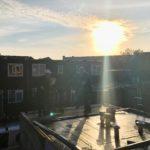 dakdekkers in de opkomende zon Miep Bos 31-10-18