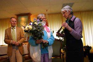 Loftrompet van stichting Sonate uitgereikt aan Miep Bos 2011